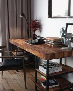 Wood Element - Wood Desk. Photo: Pinterest/Gravity Home