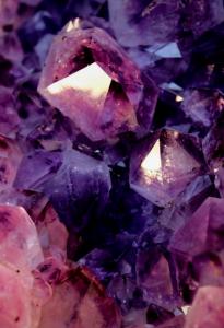 Earth Element - Amethyst Crystal. Photo: Via Pinterest/Indulgy